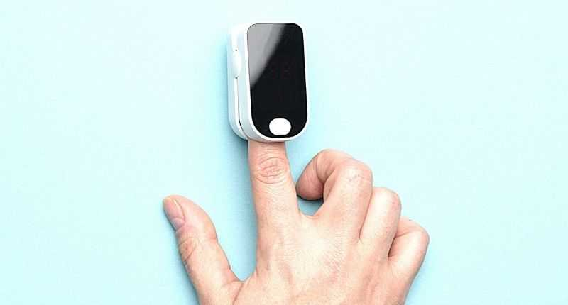 pulse oximeters to measure heart rate