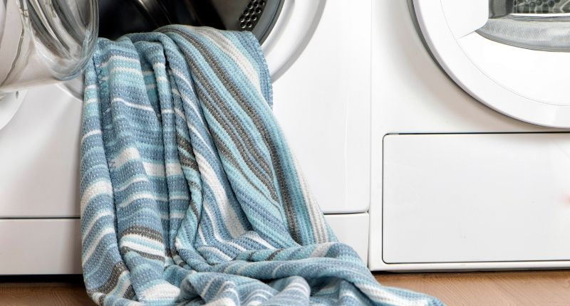 how to wash a weighted blanket at home